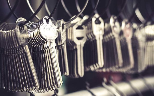 50% sleva na opravu obuvi, výrobu klíčů a broušení nožů4