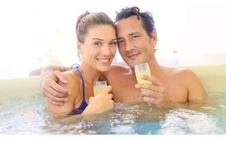 2,5 hodiny wellness péče - sauna, vířivka a masáž