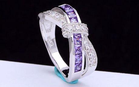Překřížený prstýnek s kamínky - více barev