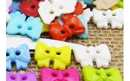 Pestrobarevné plastové knoflíčky - různé tvary