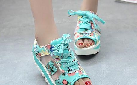 Pohodlné barevné sandálky s vyšší podrážkou - 2 barvy