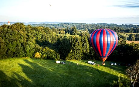 60minutový vyhlídkový let v horkovzdušném balonu pro 1 nebo 2 osoby, s platností až do konce srpna