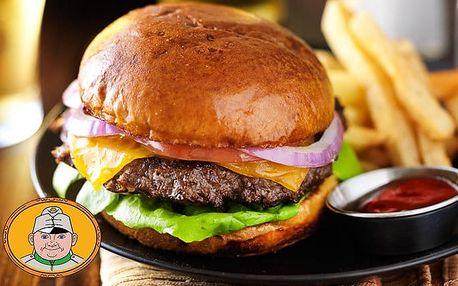 Švejk burger s hranolky pro 1 i 2 osoby ve Švejk Restaurantu Strašnice v Praze