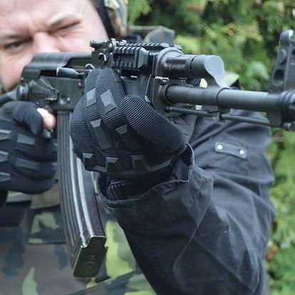 Střelba z 6-10 druhů zbraní + BONUS: 5 nábojů navíc z pistole/pušky v Uhr. Hradišti