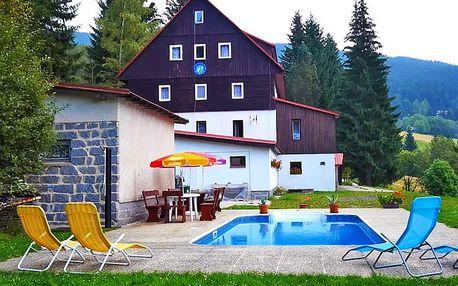 Léto na horách: Dolní Mísečky s polopenzí a neomezeným využitím bazénu