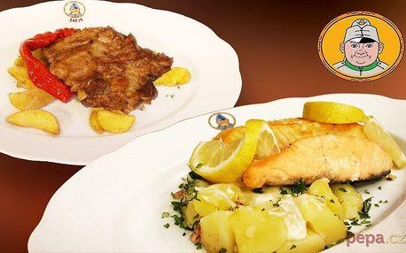 Bramborový gratin s lososem a krkovice pro pár ve Švejk restaurantu Strašnice v Praze
