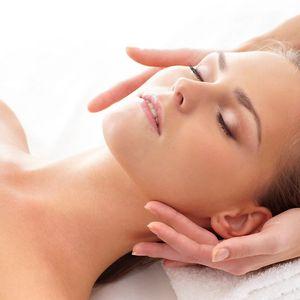 Indická masáž hlavy, relaxační masáž obličeje a akupresura
