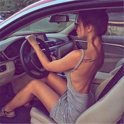 Sexy dámské šaty s odhalenými zády - 2 barvy