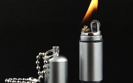Zapalovač v podobě přívěsku na klíče