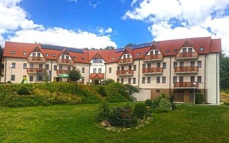 Pobyt ve všední dny v hotelu Inge*** u hradu Hasištejn s bazénem, vířivkou a polopenzí pro dva