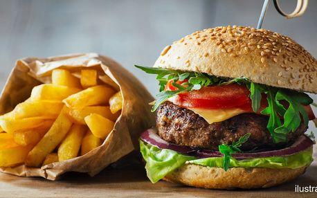 Hamburger se steakovými hranolky i BBQ omáčkou