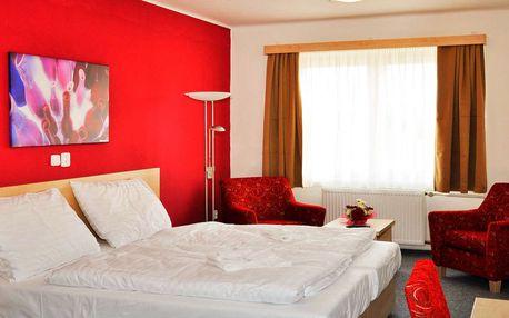 Minipivovar a konopné lázně v hotelu Bobík ve Volarech s polopenzí