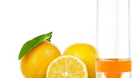 Láhev na odšťavňování citrusů