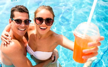 Letní zábava, bazény i sauna v penzionu Viktória se snídaněmi