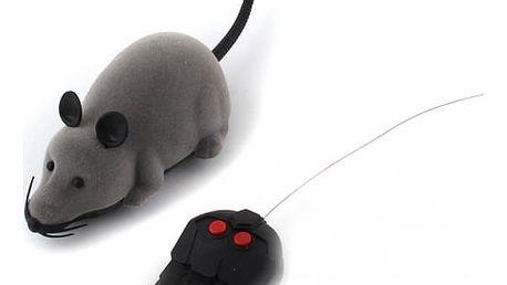 Elektronická RC krysa pro kočky