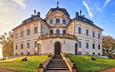 Hotel Koruna **** přímo pod zámkem Karlova Koruna s romantickou večeří, wellness, prohlídkou zámku nebo celodenním vstupem na koupaliště pro dva