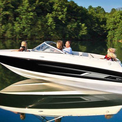 Plavba v luxusním motorovém člunu až pro 6 os.