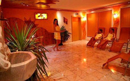 Rakouské Alpy: luxusní wellness pobyt na 4 až 8 dní pro dva s polopenzí, saunou a bazénem