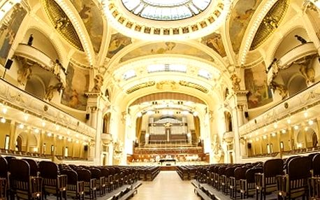 Exkluzivní baletní galapředstavení v Obecním domě se zpěváky a orchestrem.