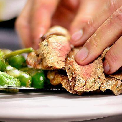 2 šťavnaté steaky s přílohou v restauraci Šnyt