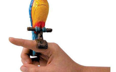 Mluvící papoušek Ara