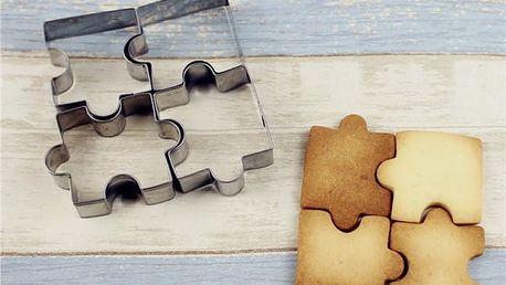 Sada kovových vykrajovátek ve tvaru puzzle