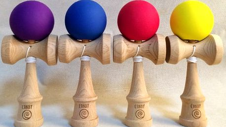 Tradiční japonská hra Candy Kendama ve 4 barevných variantách