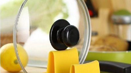 Plastový stojan na kuchyňské vybavení