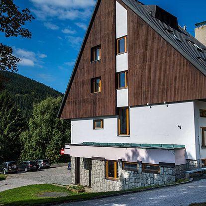 Parkhotel Harrachov *** s výhledem na Čertovu horu s polopenzí, děti zdarma
