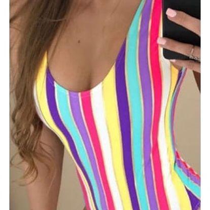 Jednodílné plavky v duhových barvičkách