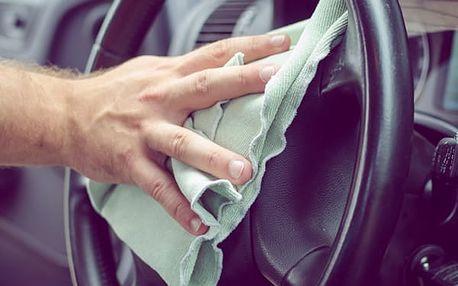 Profesionální tepování interiéru Vašeho vozu včetně dveří a kufru. Odborně a bez námahy.