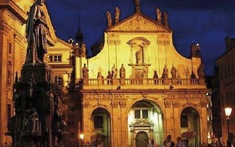 Noční varhanní koncerty při svíčkách v barokním kostele u Karlova mostu v červenci a srpnu.