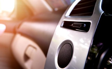 Péče o váš vůz: Čištění a plnění klimatizace