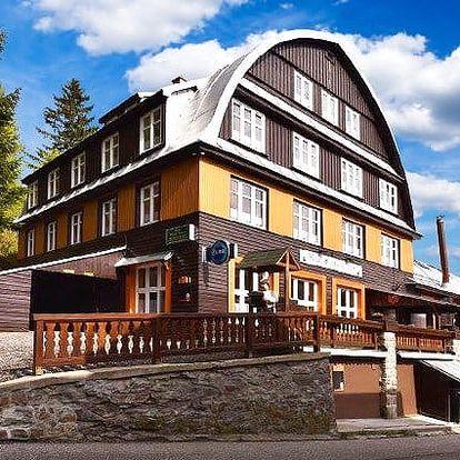 3 až 8denní pobyt s polopenzí a Špindl Card pro 2 v hotelu Svatý Hubert v Krkonoších
