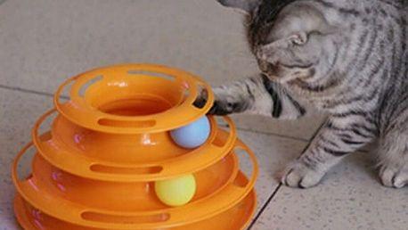 Třípatrová hračka pro kočky