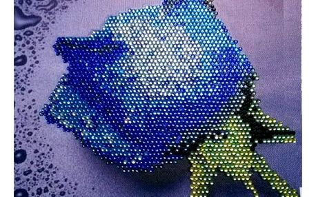 Mozaika z barevných kamínků - růže