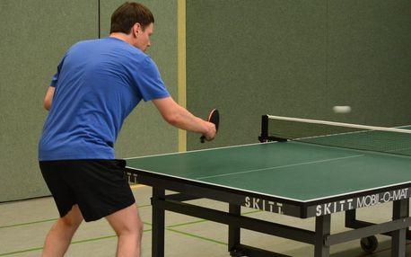 Nejvyšší čas vyzvat přátele na ping pong: Hodina ve Stepu za 90 Kč!