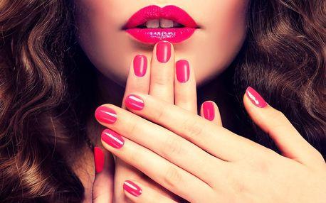 Krásné nehty po celé léto: manikúra vč. lakování
