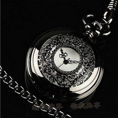 Kapesní hodinky s ornamenty