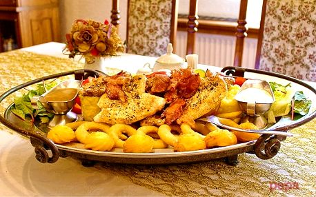 Rudolfovo plato plné dobrot pro pořádné jedlíky v Golemově restaurantu v Březiněvsi