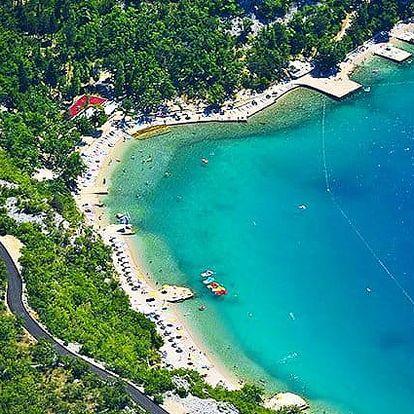 Zájezd pro 1 za víkendovým koupáním na poloostrově Kačjak v Chorvatsku
