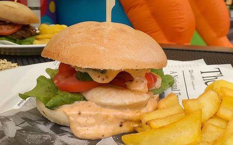 Výtečné burgerové menu pro dospělého a dítě