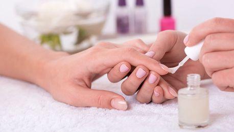 Pečlivá manikúra vč. lakování barevným gel-lakem