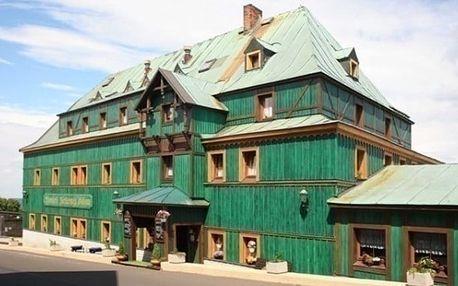3 až 5denní pobyt pro 2 s polopenzí v hotelu Zelený Dům v Krušných horách