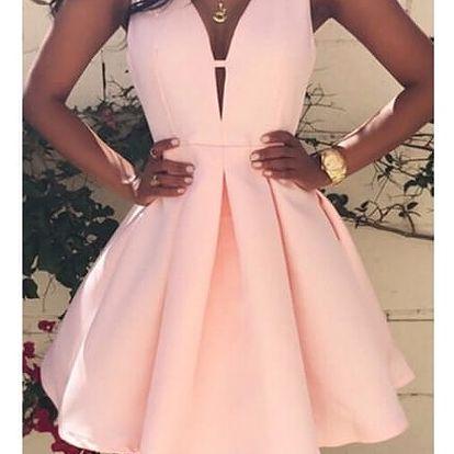 Růžové šaty s áčkovou sukní