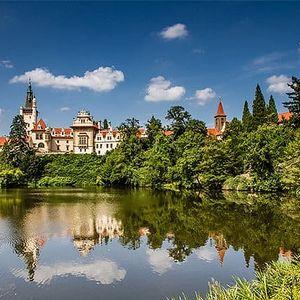 3denní pobyt se snídaní pro 2–4 osoby v hotelu Tulipán*** v Průhonicích u Prahy