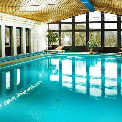 Podzim ve Špindlu: hotel Astra s bazénem