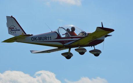 Pilotem ultralehkého letadla na zkoušku v Praze