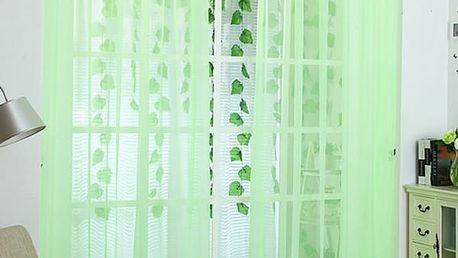 Barevný průsvitný závěs na okno