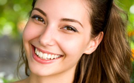 Neperoxidové bělení zubů s remineralizací skloviny